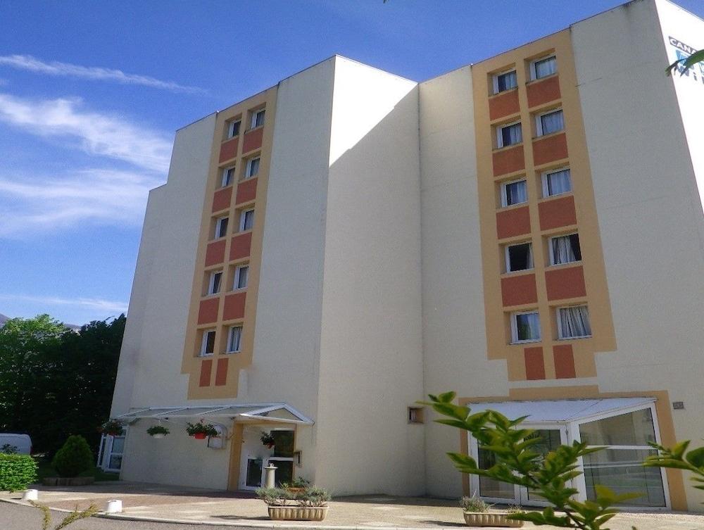 H tel amys grenoble voreppe deals reviews voreppe fra for Hotels grenoble