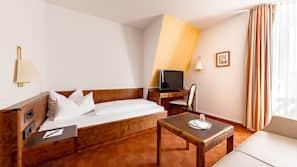 Allergikerbettwaren, Pillowtop-Betten, Minibar, individuell dekoriert