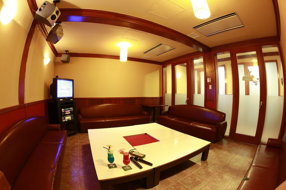 Karaoke Room, Leopalace Resort Guam