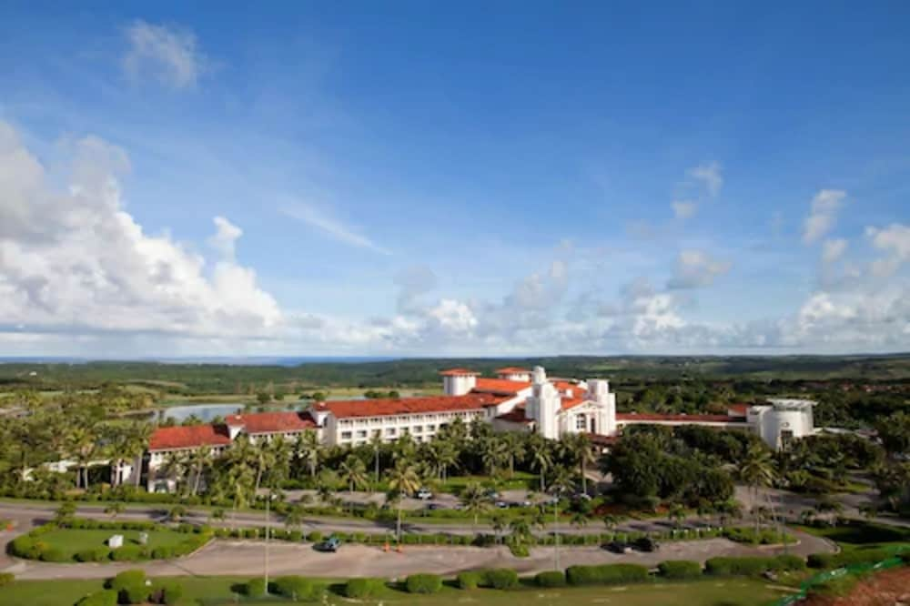 Parking, Leopalace Resort Guam