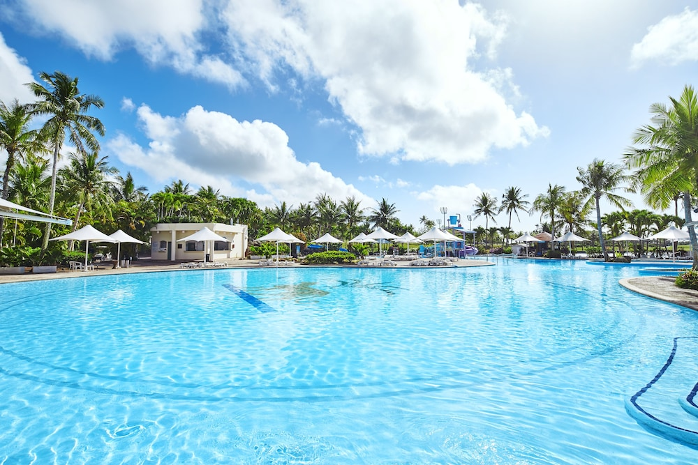 Pool, Leopalace Resort Guam