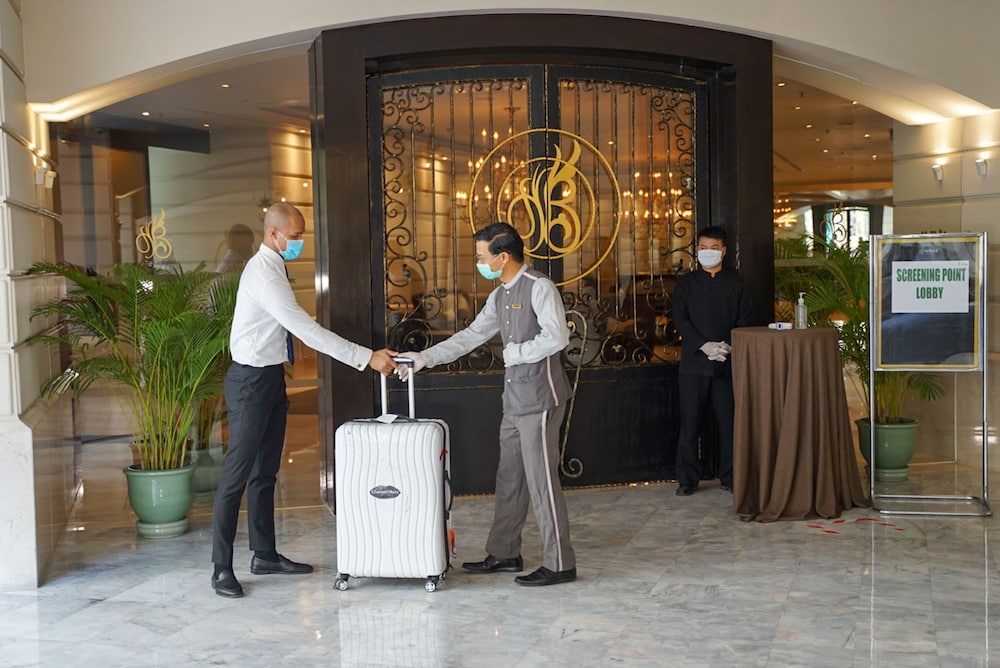 Cleanliness standards, Tower Club at lebua (The World's First Vertical Destination)