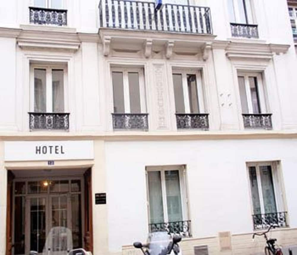 Book luxelthe h tel paris hotel deals for Deal hotel paris