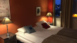 Select Comfort beds, free WiFi, bed sheets, wheelchair access