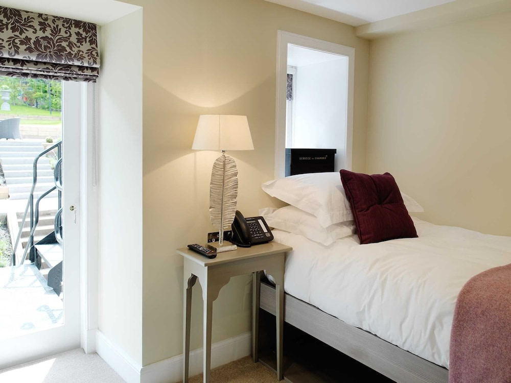 24 royal terrace in edinburgh hotel rates reviews on for 37 royal terrace edinburgh