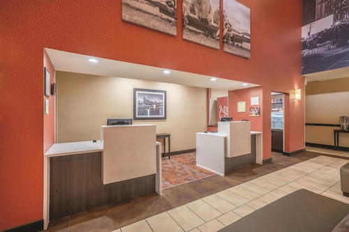 La Quinta Inn & Suites by Wyndham Smyrna TN - Nashville