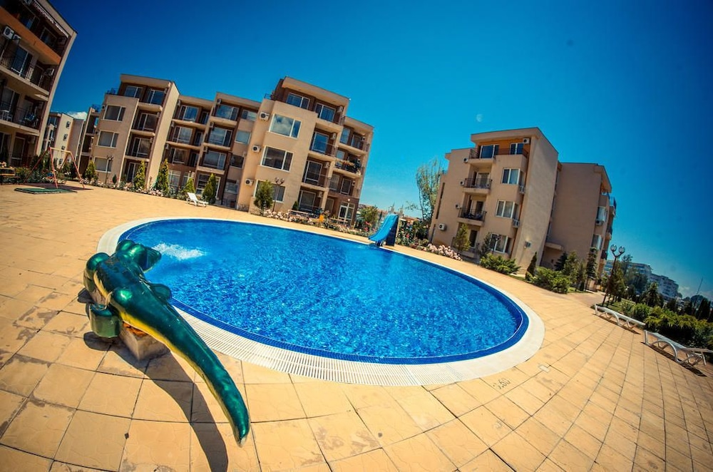 Book holiday fort golf club sunny beach hotel deals - Sunny beach pools ...