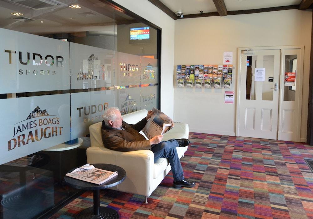 Olde Tudor Hotel Deals Reviews Launceston Aus Wotif