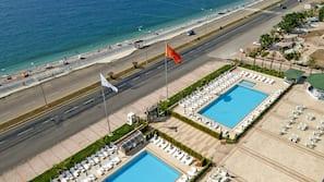 2 indoor pools, 2 outdoor pools, pool umbrellas, sun loungers