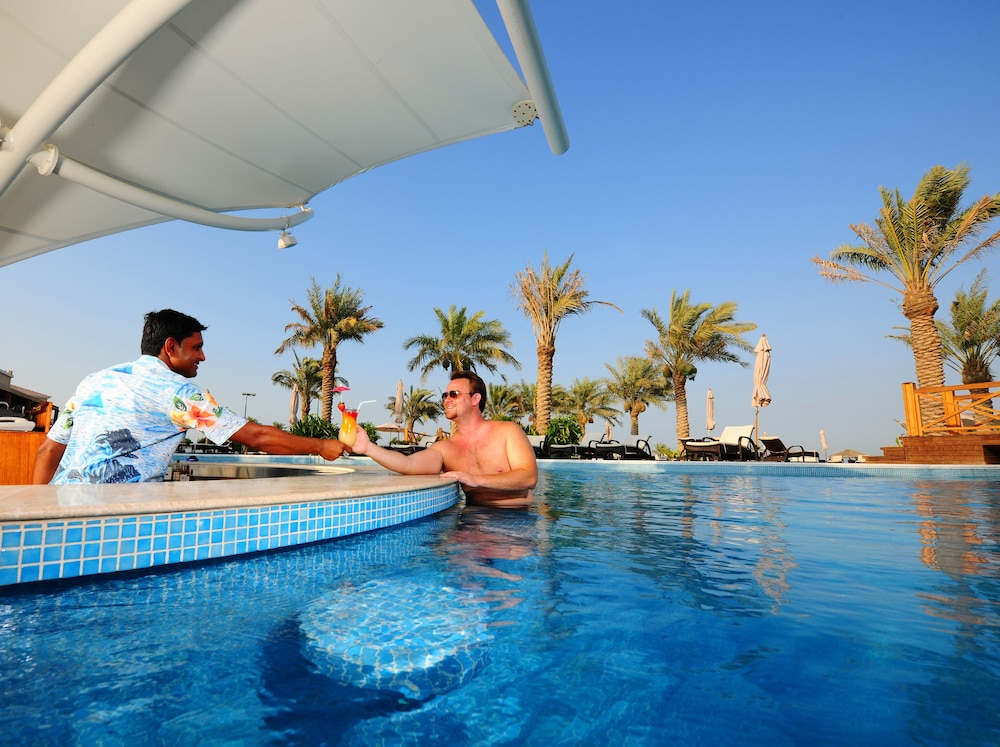 Al Bander Hotel Resort In Sitra Hotel Rates Reviews On Orbitz