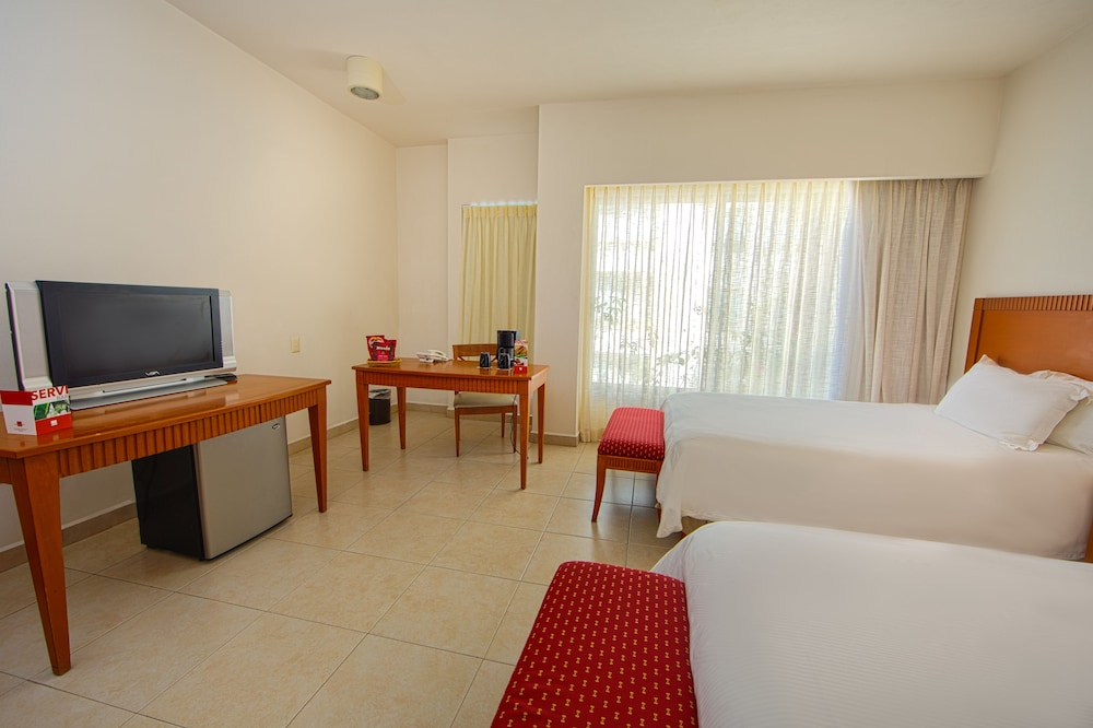 Room, Ambiance Suites Cancun