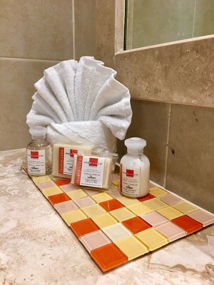 Bathroom, Ambiance Suites Cancun