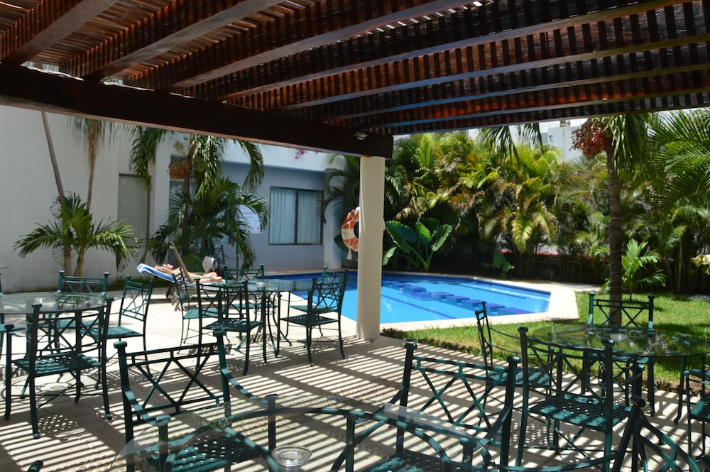 Outdoor Pool, Ambiance Suites Cancun