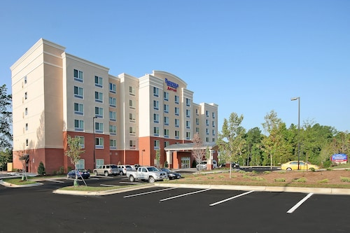 74 raleigh hotels with a jacuzzi or hot tub in room - Public indoor swimming pools cary nc ...