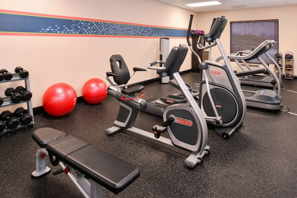 Fitness Facility, Hampton Inn Williamsburg