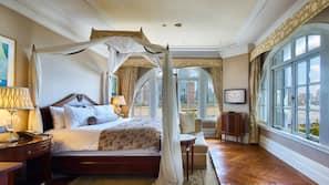 Luxe beddengoed, pillowtop-bedden, een minibar met enkele gratis items