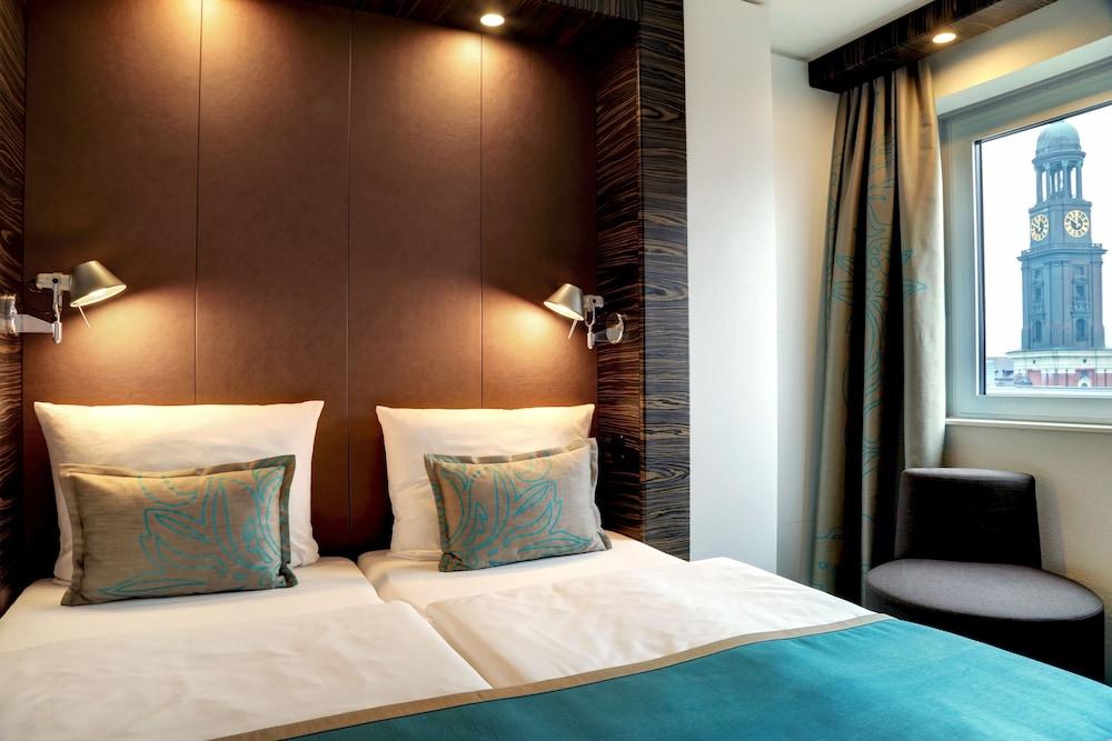motel one hamburg am michel hamburg hotelbewertungen. Black Bedroom Furniture Sets. Home Design Ideas