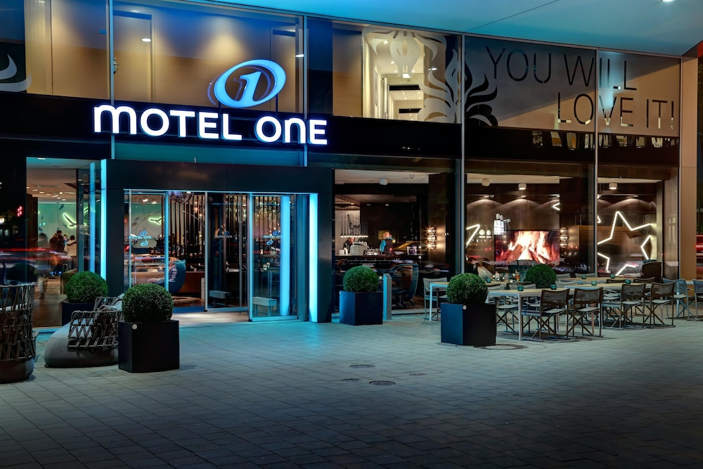 Motel One Hamburg Booking