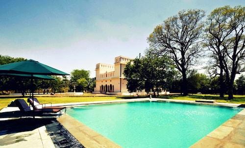 Hotel Bijay Niwas Palace