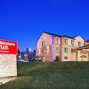 Hotels Near Tara Vineyards And Winery Best Western Plus Royal Mountain Inn Suites