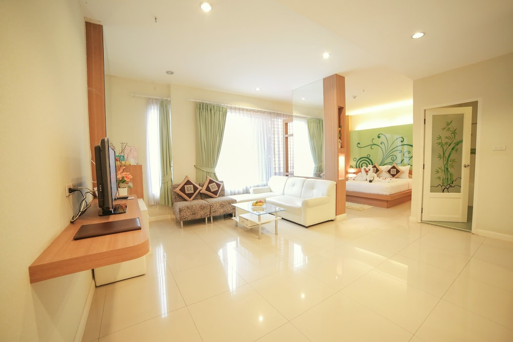 Vientiane hemera hotel in vientiane hotel rates reviews on orbitz featured image reheart Images