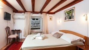 Premium bedding, Select Comfort beds, free minibar