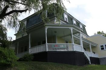 The Ballard House Inn
