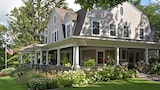 Hilltop House Bed & Breakfast - Amenia Hotels