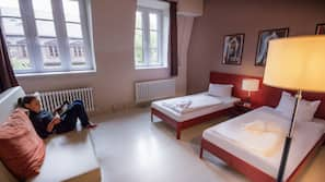 Coffres-forts dans les chambres, bureau, lits bébé (en supplément)