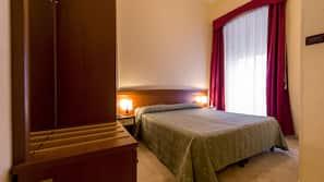 1 camera, biancheria da letto di alta qualità, una scrivania