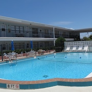 Algiers Beach Resort