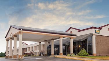 Red Roof Inn & Suites Mt Holly - McGuire AFB