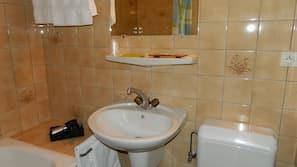 Combined shower/bathtub
