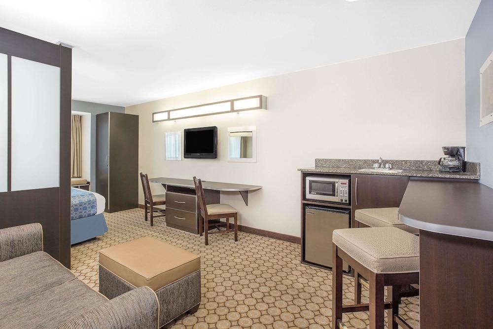 San Angelo Hotel Suites