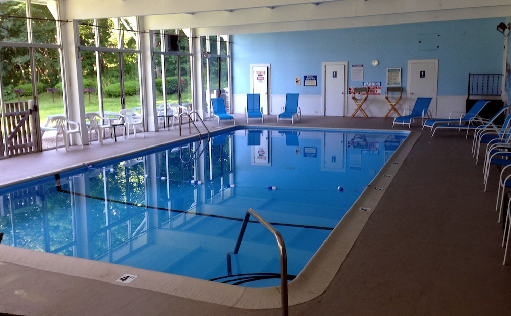 Indoor Pool, Craigville Beach Inn