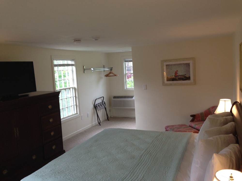 Room, Craigville Beach Inn