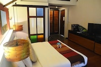 Superior Double Room, 1 King Bed, Private Bathroom