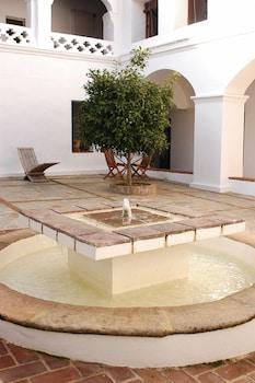 Calle Sta. María, 16, 06176 La Parra, Badajoz, Spain.