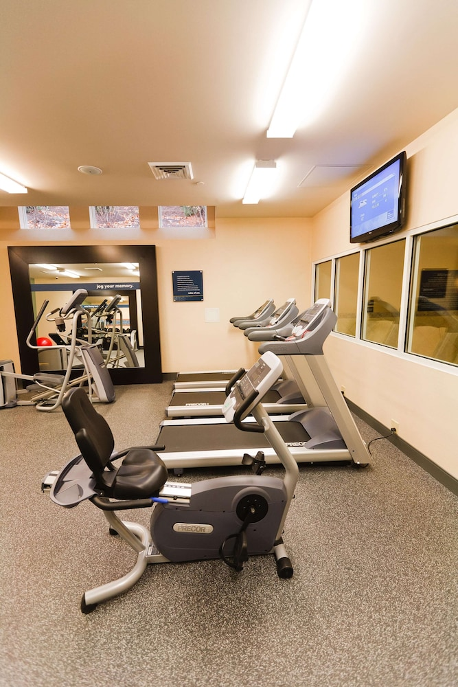 Fitness Facility, Hampton Inn & Suites Exeter, NH