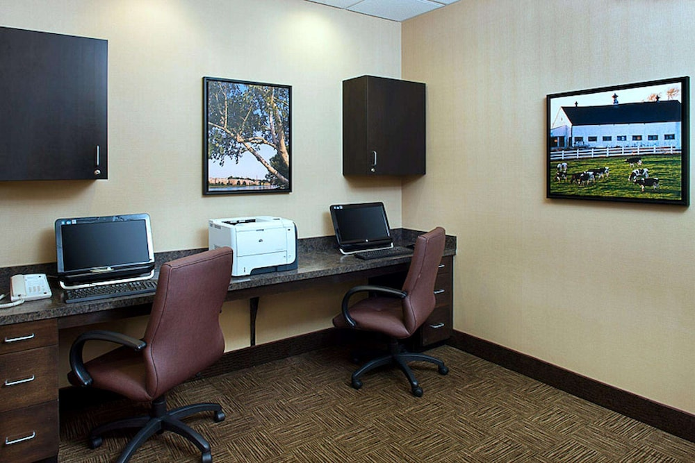 Business Center, Hampton Inn & Suites Exeter, NH
