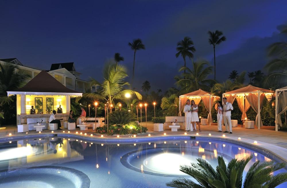 Book luxury bahia principe esmeralda all inclusive for All inclusive resorts luxury