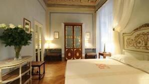 Select-Comfort-Betten, Minibar, Zimmersafe, Schreibtisch
