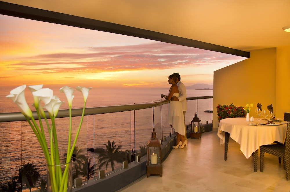 Balcony, Sunset Plaza Beach Resort & Spa Pto Vallarta All Inclusive