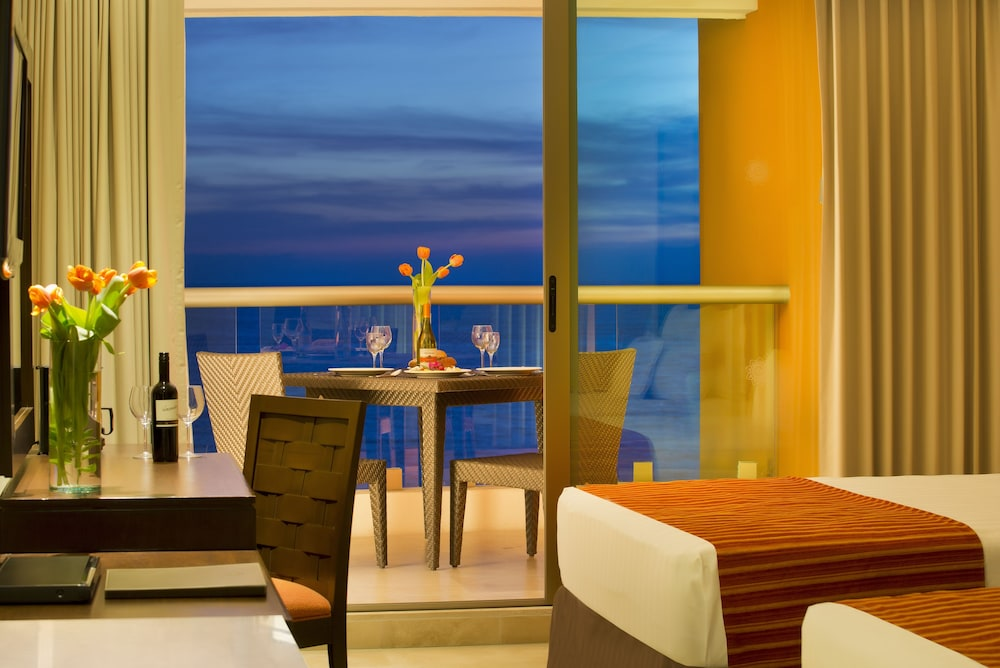 Room, Sunset Plaza Beach Resort & Spa Pto Vallarta All Inclusive