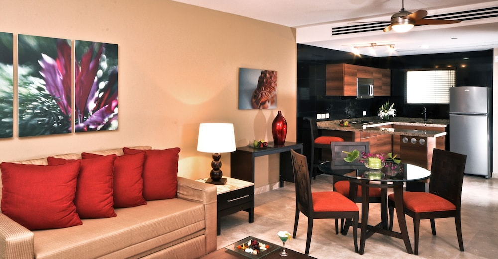 Living Room, Sunset Plaza Beach Resort & Spa Pto Vallarta All Inclusive