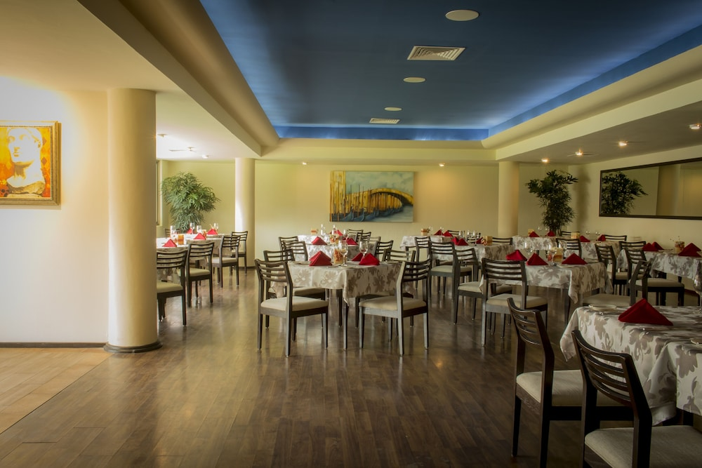 Restaurant, Sunset Plaza Beach Resort & Spa Pto Vallarta All Inclusive