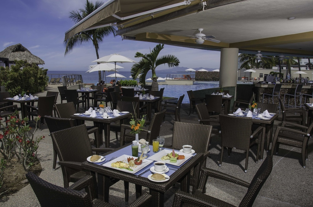 Breakfast Area, Sunset Plaza Beach Resort & Spa Pto Vallarta All Inclusive