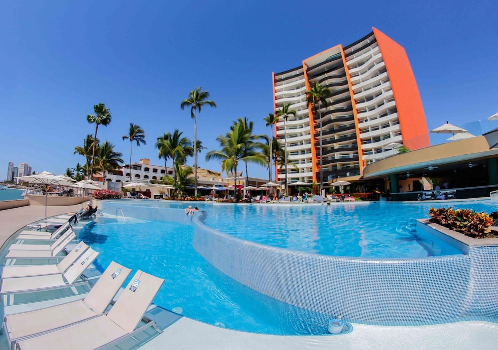 Outdoor Pool, Sunset Plaza Beach Resort & Spa Pto Vallarta All Inclusive