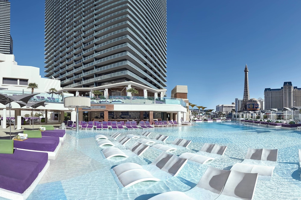 Rooftop Pool, The Cosmopolitan Of Las Vegas