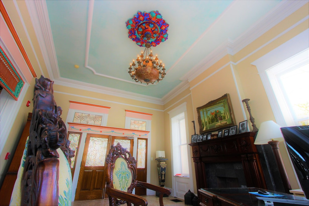 Reception, The Southernmost House Hotel